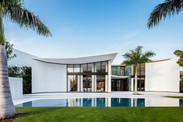 Miami Beach House by Achille Salvagni