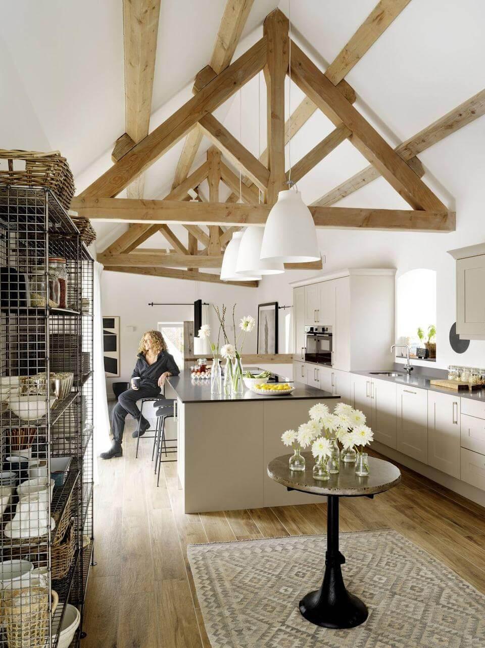 Modern Celebrity Homes - Kelly Hoppen The Barn